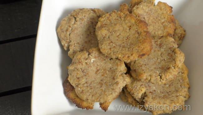 Подаем диетическое печенье к столу