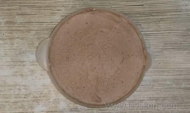 Сметано-шоколадный крем готов к применению