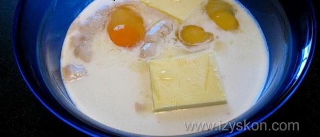 Опара для приготовления беляшей в духовке готовится 15-20 минут.