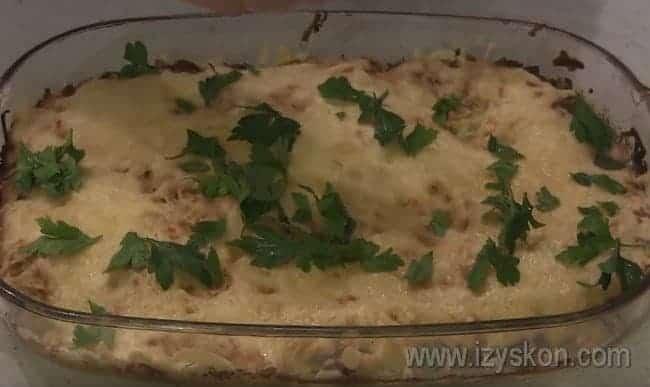 Вкуснейшая куриная запеканка с картофелем и грибами в духовке готова!