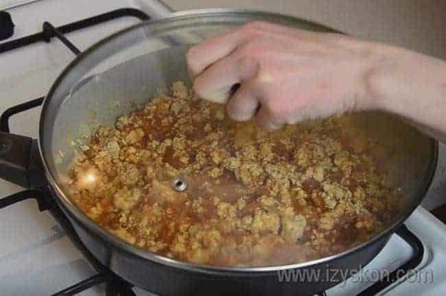 Соус болоньезе для лазаньи с фаршем в духовке по классическому рецепту готов.