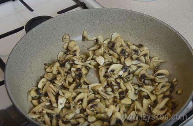 мы приготовим лазанью с мясом по рецепту с грибами.