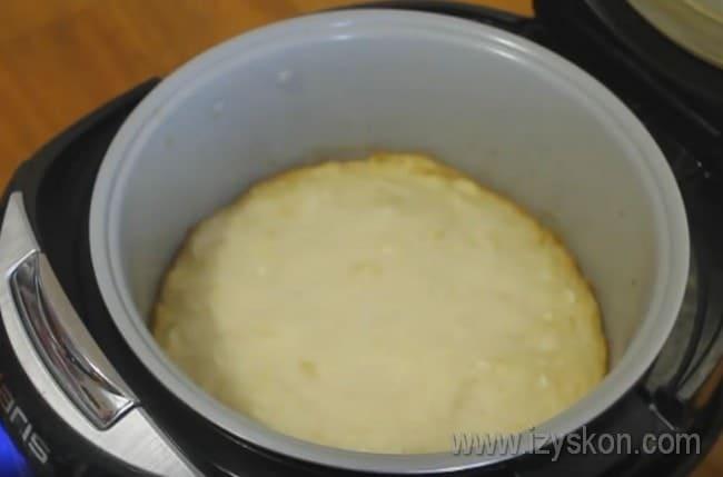 Опробуйте этот простой рецепт капустного пирога в мультиварке.