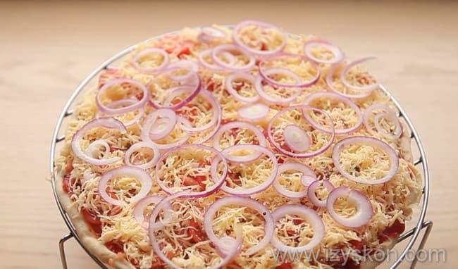 Вкуснейшая пицца с креветками по детальному рецепту в домашних условиях