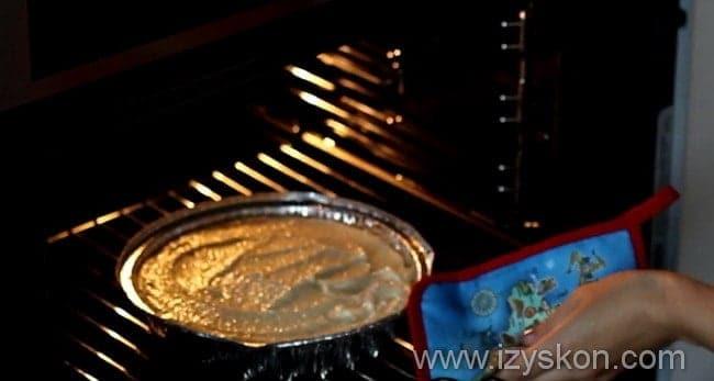 Приготовление пышной творожной запеканки с манкой в духовке