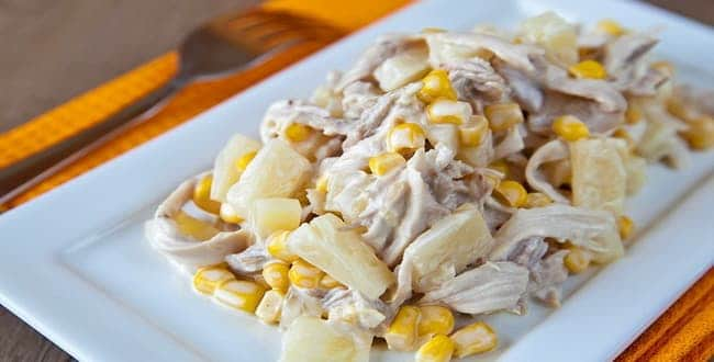 Пошаговый рецепт салата с копченой курицей