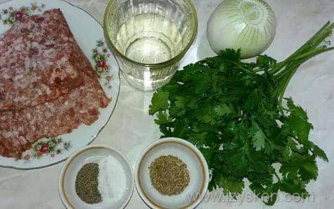 Для приготовления хинкали возьмем такие ингредиенты