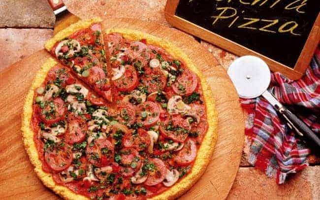 Как готовится домашняя пицца с грибами по пошаговому рецепту