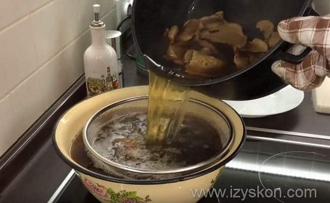 Поэтапный рецепт приготовления грибного супа из сушеных грибов с вермишелью