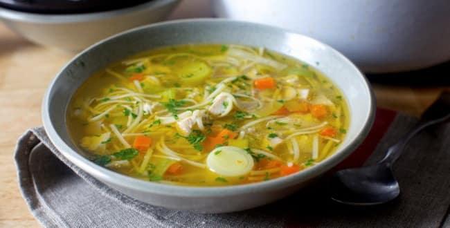 Вкусный куриный суп с лапшой и картошкой рецепт