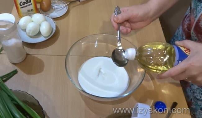 Добавляем в кефир растительное масло