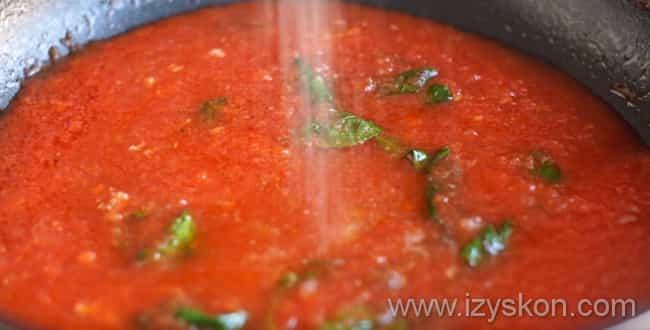 В соус для пиццы маргарита добавляем сахар