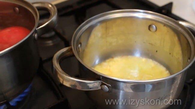 Перед тем как приготовить как сделать соус сацебели в домашних условиях обжарьте лук