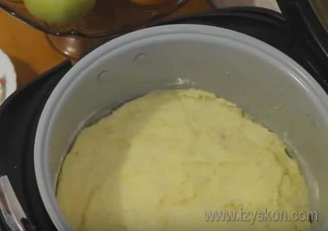 Фарш закрываем второй половиной картошки.