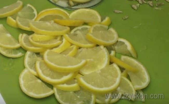 В этом рецепте мы используем также лимон.