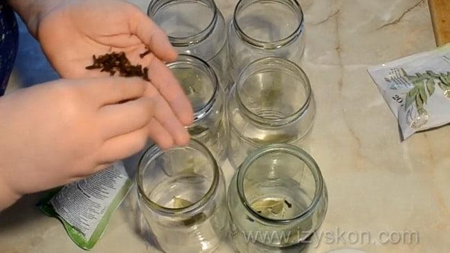 Приготовьте помидоры в собственном соку простой рецепт