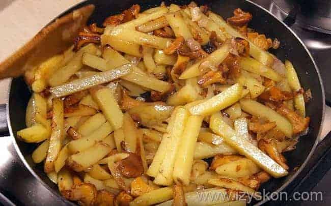 Жареная картошка с солеными грибами рецепт