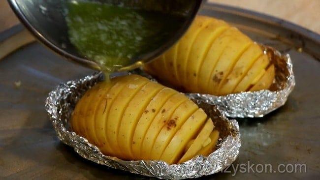 Сытная картошка запеченная в рукаве в духовке, пошаговый рецепт,