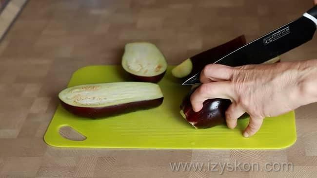 Попробуйте приготовить фаршированные баклажаны, самый вкусный рецепт,