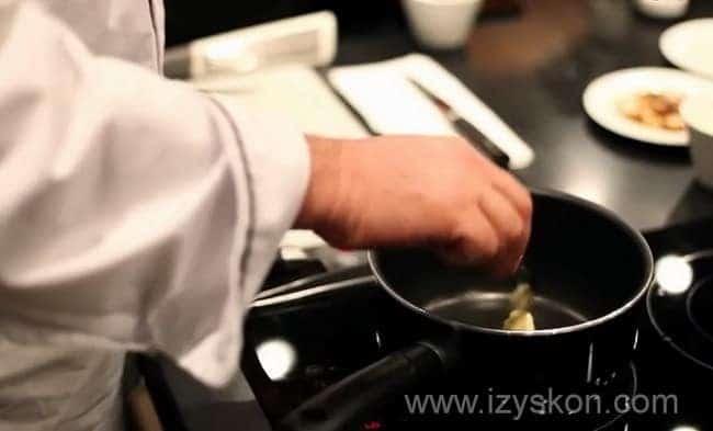 Смотрите как готовится ризотто с шампиньонами