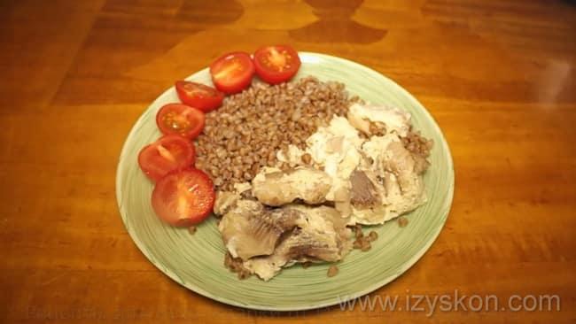 Ароматная рыбная запеканка приготовленная в духовке готова.