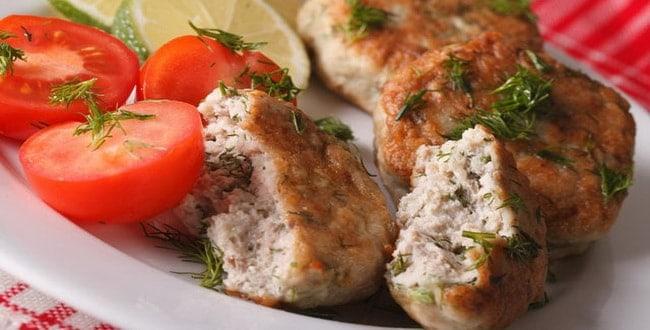 Как приготовить рыбные котлеты из карася по пошаговому рецепту с фото