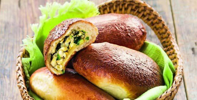Как приготовить пирожки с зеленым луком и яйцом в духовке по пошаговому рецепту с фото