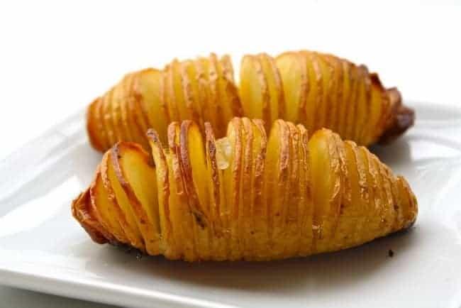 Приготовьте картошку в духовке, очень вкусно.