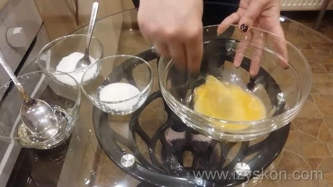 Как приготовить тесто для мантов на минералке, простой рецепт