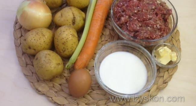 Для приготовления мясной запеканки с картофелем по простому рецепту в духовке нам нужны такие ингредиенты
