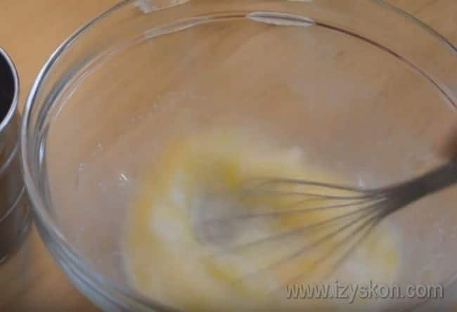 А этот рецепт с фото поведает, как пошагово приготовить хворост по простому рецепту на молоке.