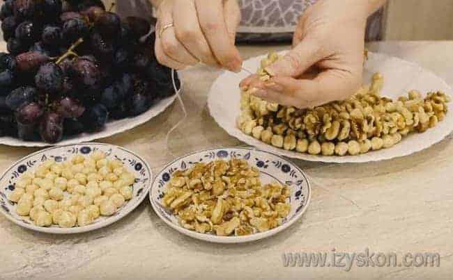 На самом деле рецепт приготовления чурчхелы довольно-таки простой.