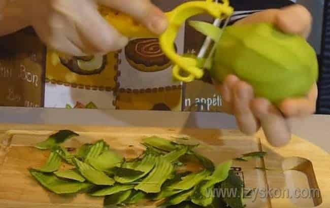 Еще одно, с чем едят кукурузные чипсы начос, это соус гуакамоле на основе авокадо.