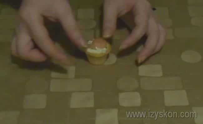 Попробуйте приготовить такие оригинальные тарталетки с креветками по рецепту с сыром.