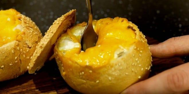 Рецепт приготовления пикантного жульена в булочках и слоеном тесте