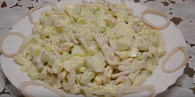 Как сделать салат из огурцов, кальмаров и яиц по рецепту с фото