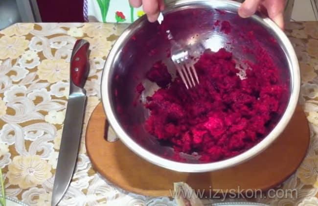 добавьте соль в ингредиенты